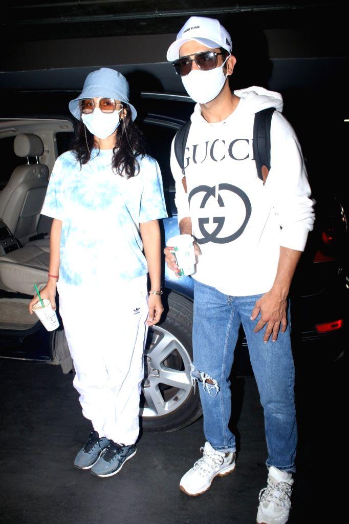 Rajkummar Rao & Patralekha Spotted at Airport Arrival on Thursday 25rd February 2021. - Rajkummar Rao