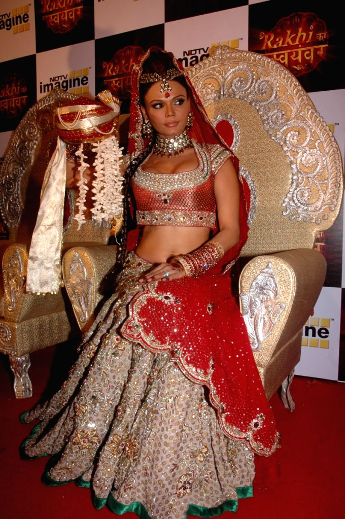 Rakhi Sawant plans her 'swayamvara' on reality TV show