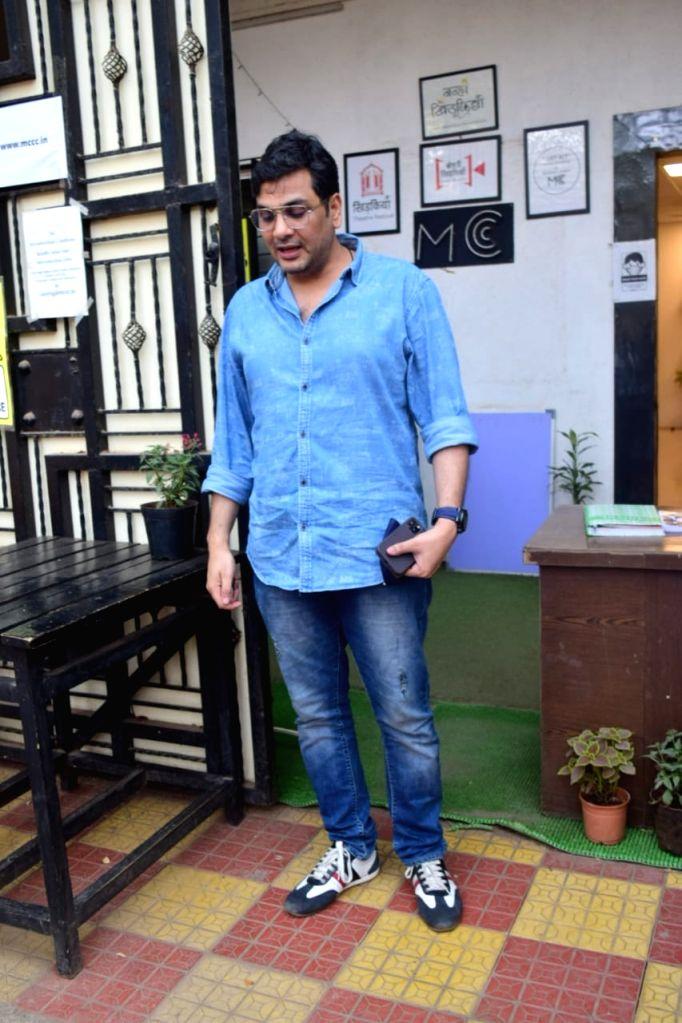 Rakul Preet Singh, Manish Paul & Mukesh Chhabra Post MettingAt Mukesh Chhabra Office In Andheri on Friday 19th February 2021. - Rakul Preet Singh