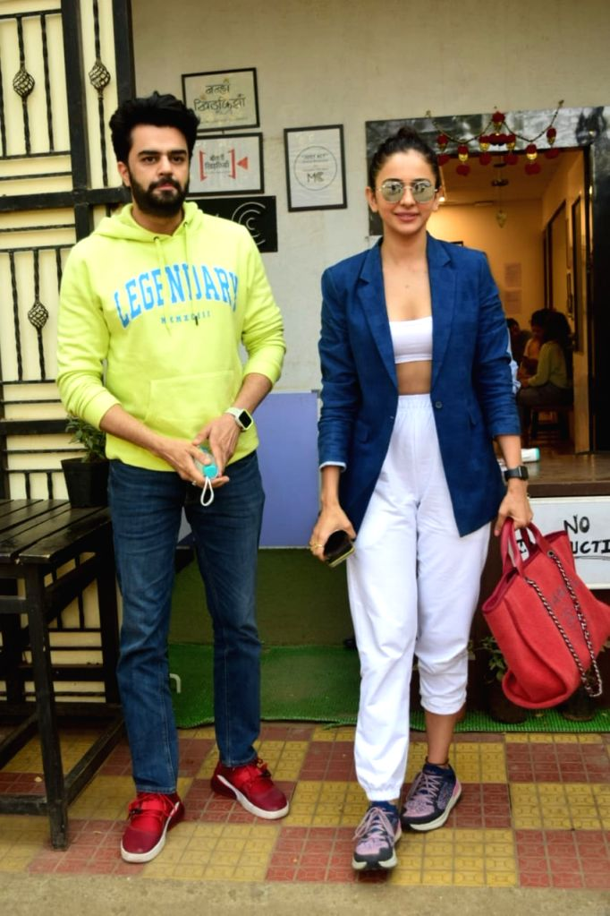 Rakul Preet Singh, Manish Paul & Mukesh Chhabra Post MettingAt Mukesh Chhabra Office In Andheri on Friday 19th February 2021. - Rakul Preet Singh