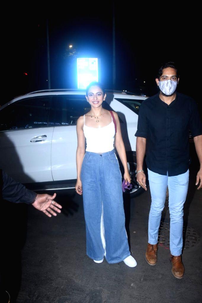 Rakul Preet Singh Spotted At Bandra & Nimrat Kaur Spotted In Bandra on Tuesday 23rd February 2021.