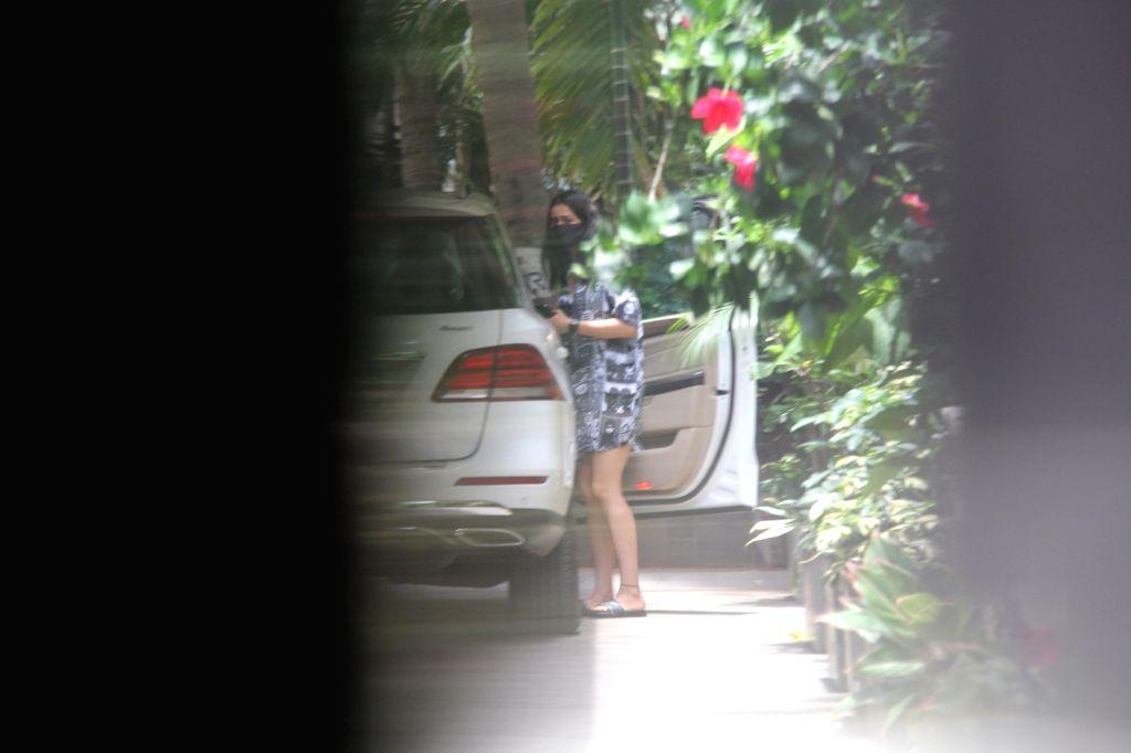 Rakul Preet Singh Spotted at Bandra On Saturday, 15 may, 2021.