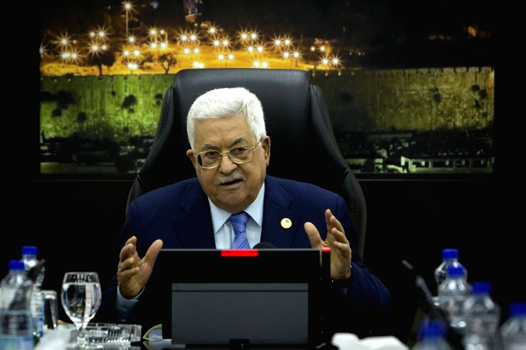 RAMALLAH, April 29, 2019 (Xinhua) -- Palestinian President Mahmoud Abbas chairs a meeting of the newly formed Palestinian cabinet in the West Bank city of Ramallah, April 29, 2019. Abbas said on Monday that the Palestinian Authority will not accept p