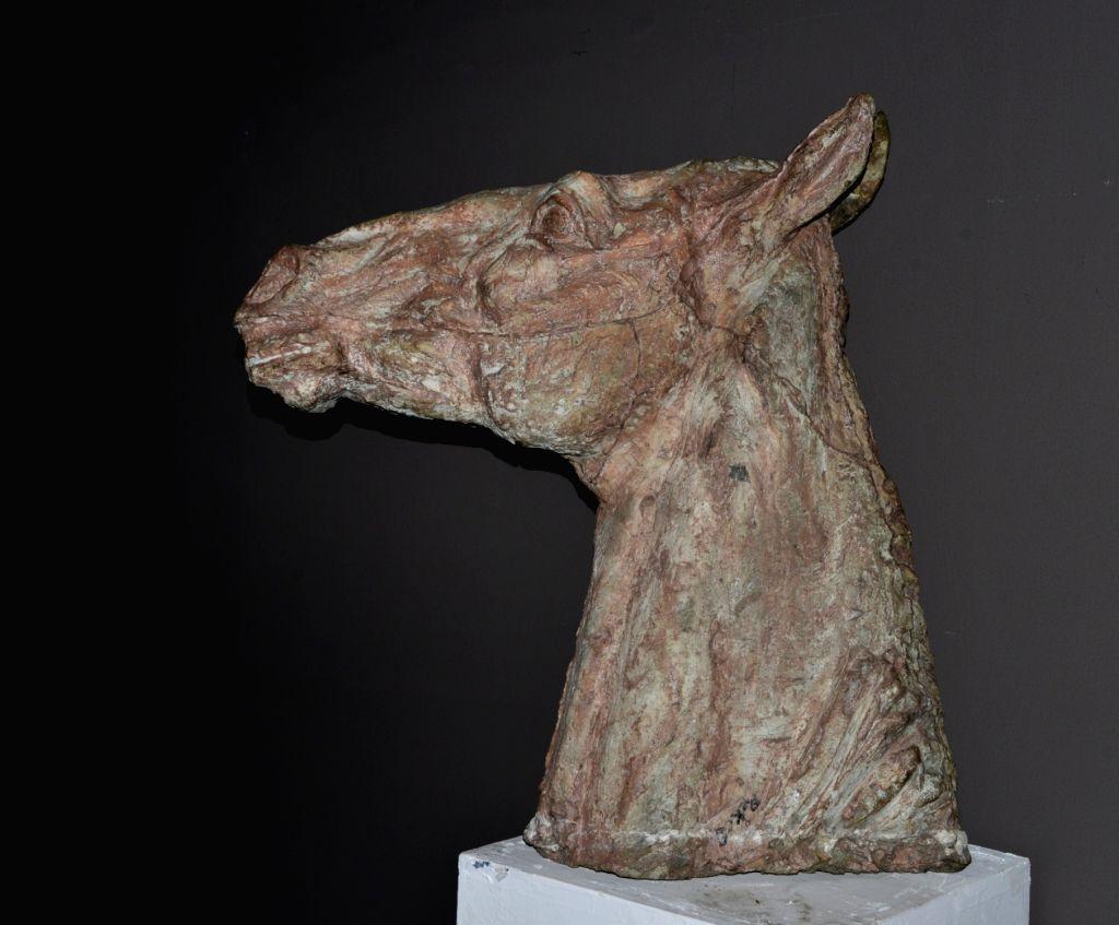 Ramkinkar Baij, Horse Head, Cement.
