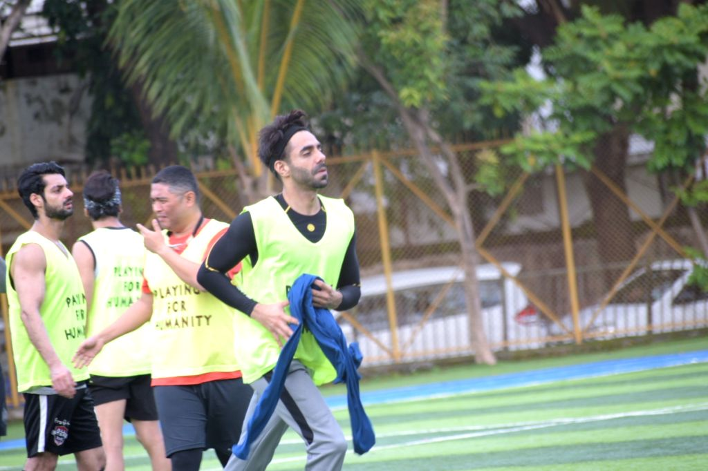 Ranbir Kapoor, Arjun Kapoor, Abhishek Bachchan and other celebs playing football at juhu in Mumbai on Sep 30, 2019. - Ranbir Kapoor, Arjun Kapoor and Abhishek Bachchan