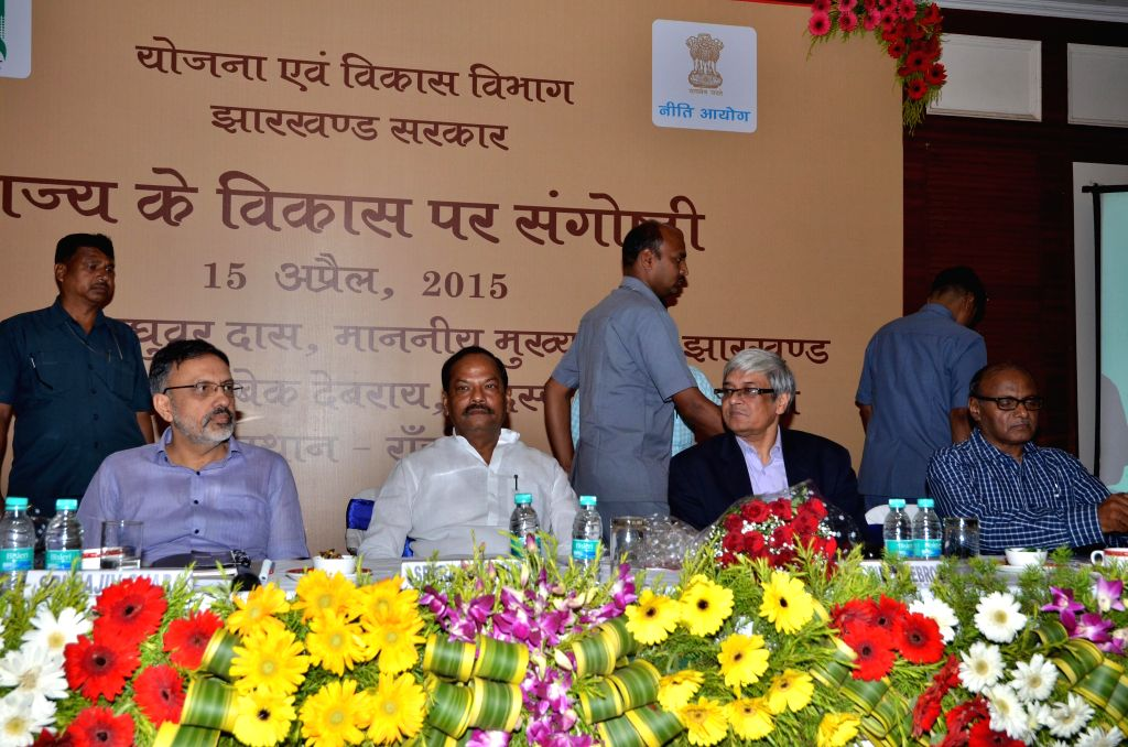 Jharkhand Chief Minister Raghuwar Das with NITI Aayog member Prof. Bibek Debroy, and Chief Secretary Rajiv Gouba, during a NITI Aayog meeting on state development at BNR Chanakya in Ranchi on ... - Raghuwar Das