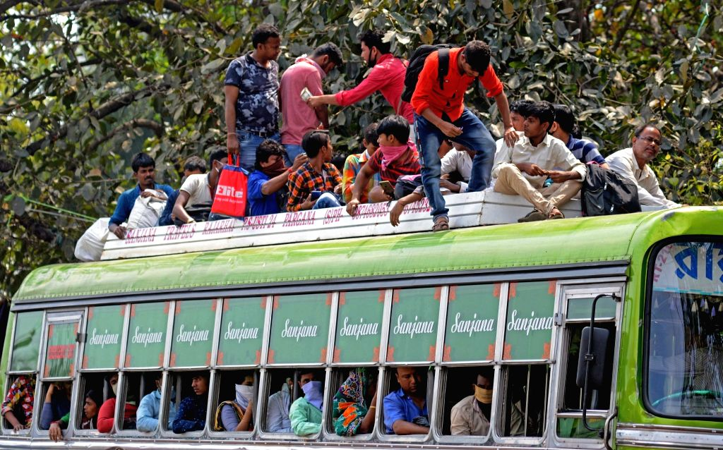 Ranchi, March 31 (IANS) As the fear of community spread of coronavirus looms large, a major lapse on the part of the Jharkhand government officials has emerged in Ranchi. The District Magistrate allowed 8 buses full of people to move out of the city