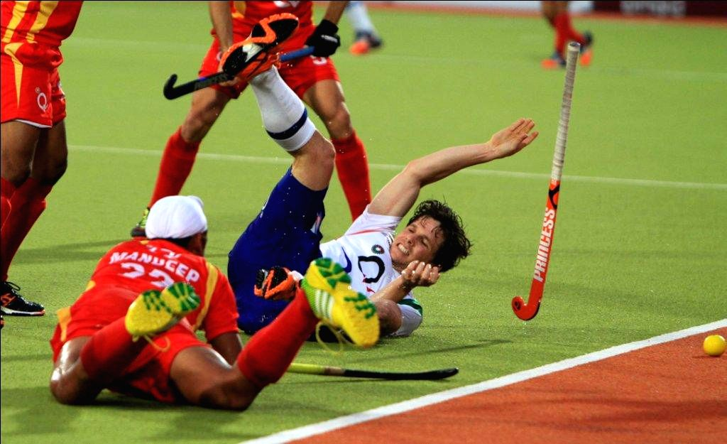 Players in action during a Hockey India League 2015 match between Ranchi Rays  and Uttar Pradesh Wizards in Ranchi, on Feb. 8, 2015.