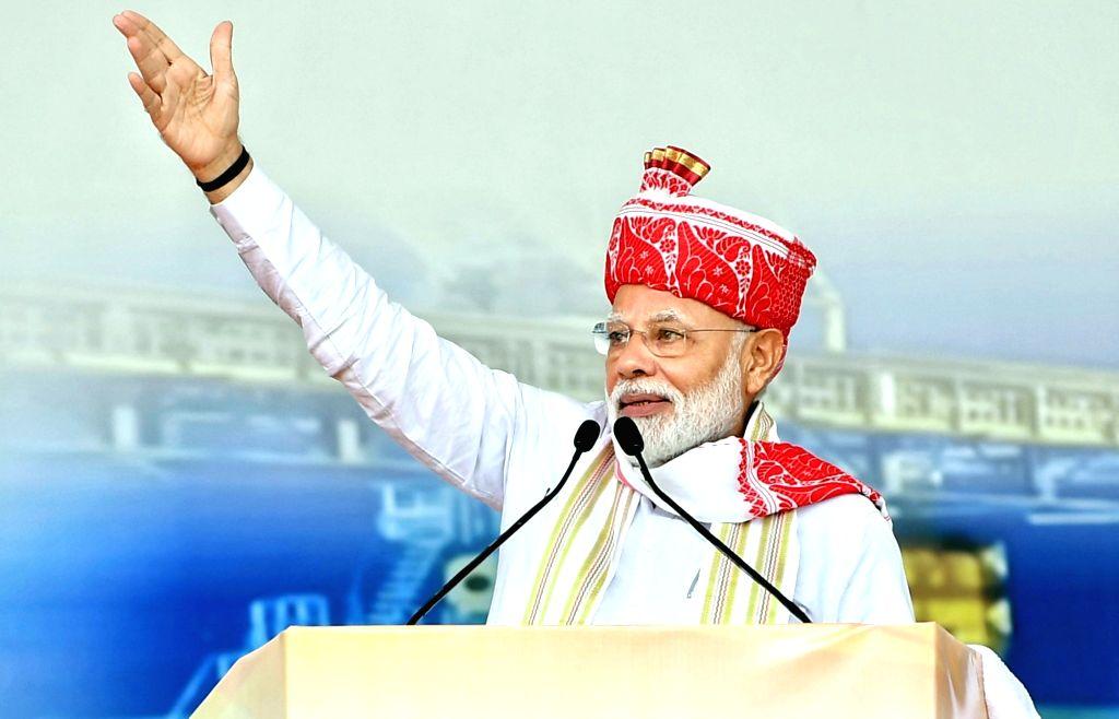 Ranchi: Prime Minister Narendra Modi addresses at the inauguration of various development projects, in Ranchi on Sep 12, 2019. (Photo: IANS/PIB) - Narendra Modi
