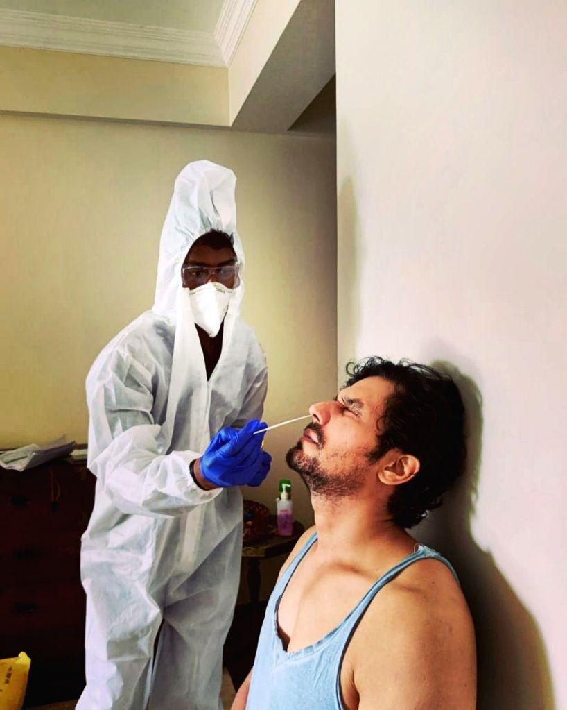 Randeep Hooda gets tested for Covid