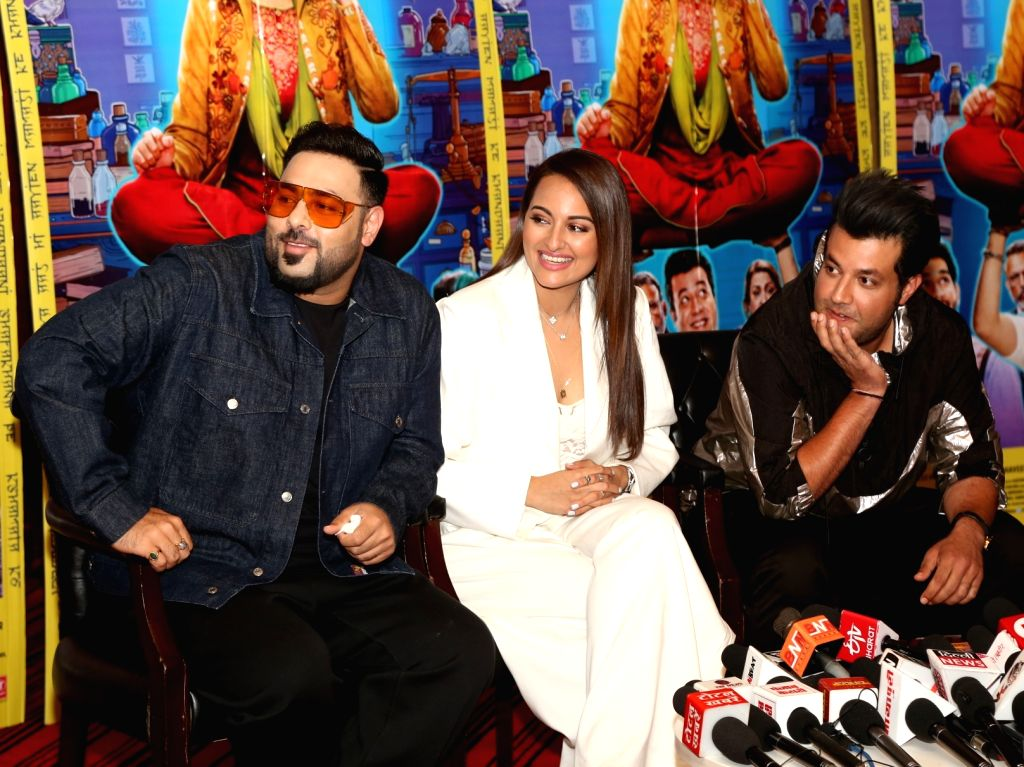 "Rapper Badshah and actors Sonakshi Sinha, Varun Sharma interact with media personnel during the promotions of their upcoming film ""Khandaani Shafakhana"", in New Delhi on July 30, ... - Sonakshi Sinha and Varun Sharma"