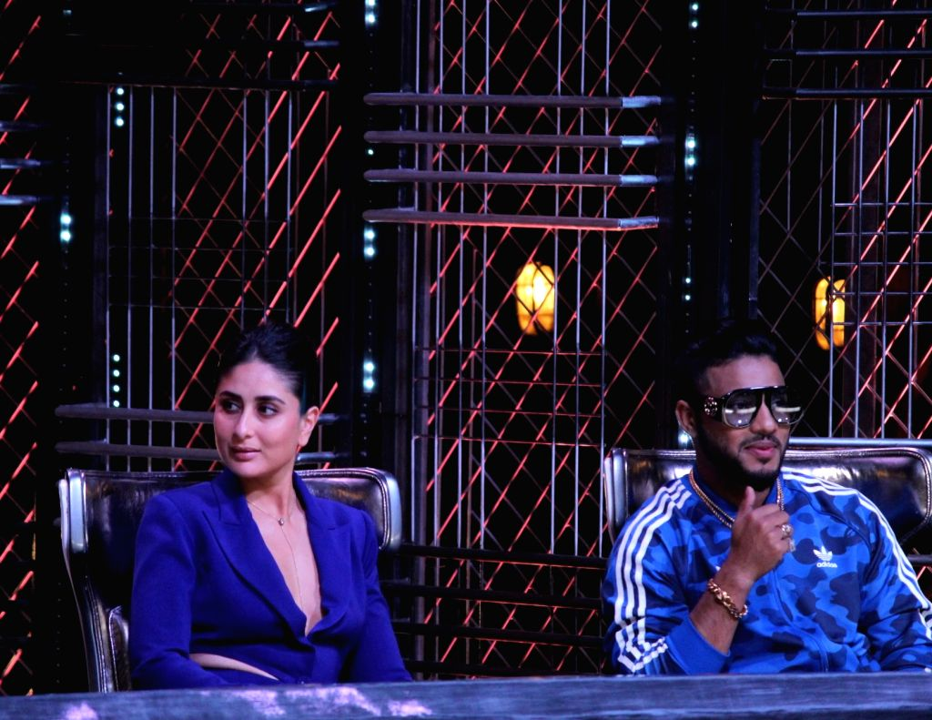 "Rapper Raftaar and actress Kareena Kapoor Khan on the sets of dance reality show ""Dance India Dance"" in Mumbai, on May 30, 2019. - Kareena Kapoor Khan"