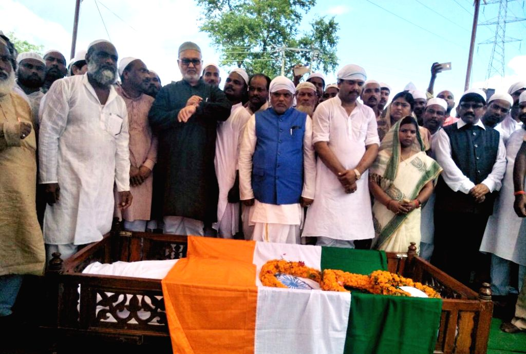 Rashtriya Janata Dal (RJD) leaders during the funeral prayer of RJD MP Mohammed Taslimuddin in Patna on Sept 19, 2017.