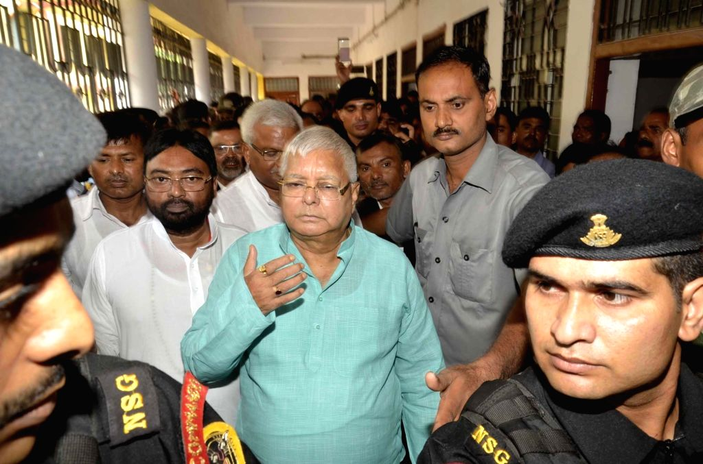 Rashtriya Janata Dal (RJD) Supremo Lalu Prasad Yadav arrives to appear before special CBI Court in connection with ​a multi-crore fodder scam case in Ranchi on June 29, 2017. - Lalu Prasad Yadav