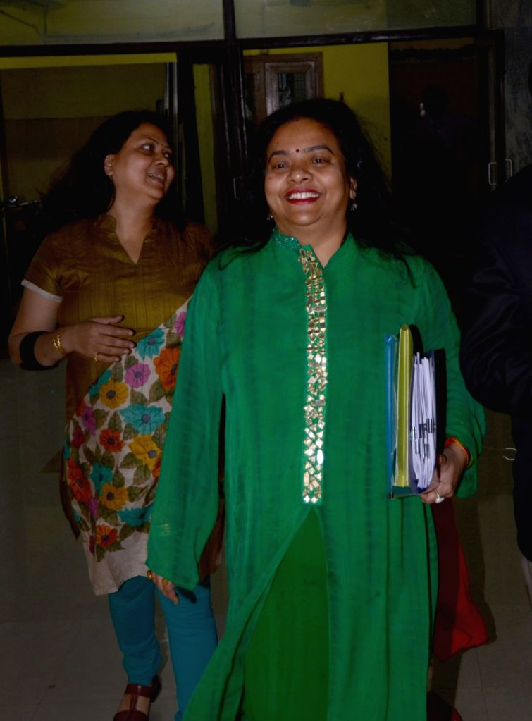 Ratna Chatterjee, wife of Kolkata Municipal Corporation Mayor Sovan Chatterjee arrives to appear before Enforcement Directorate (ED) in connection with the Narada sting case in Kolkata, on ... - Ratna Chatterjee