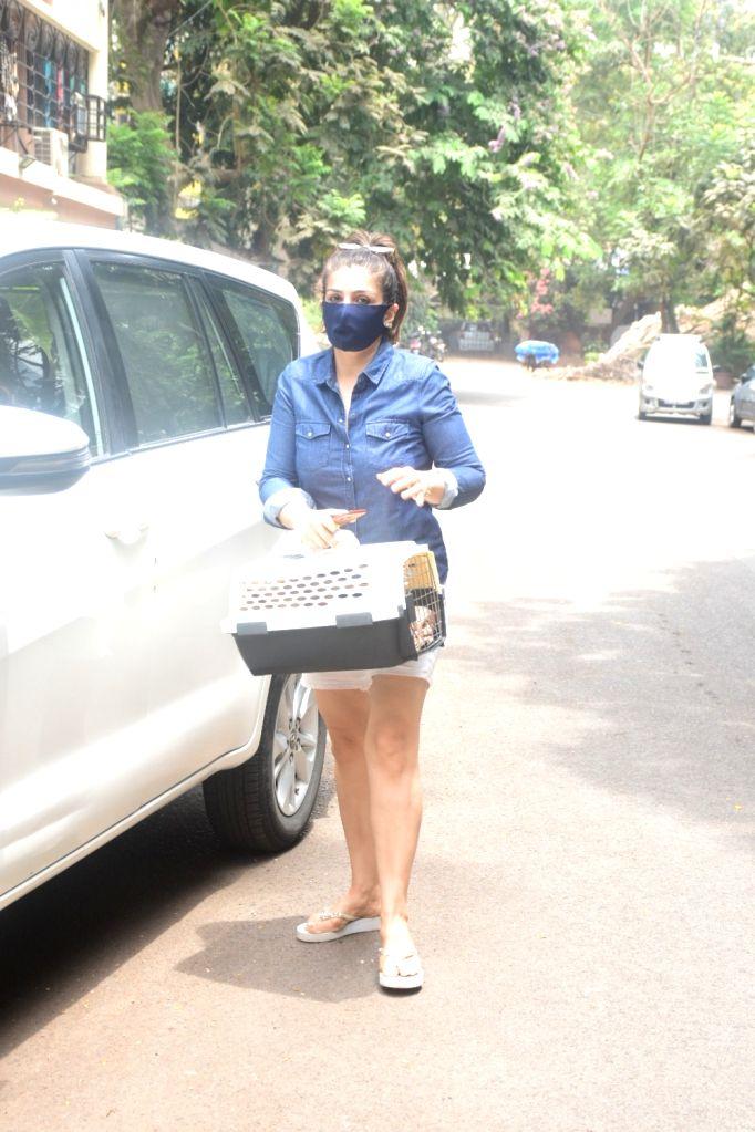 Raveen Tandon and Anil Thadani spotted at bandra On Saturday, 15 may, 2021.