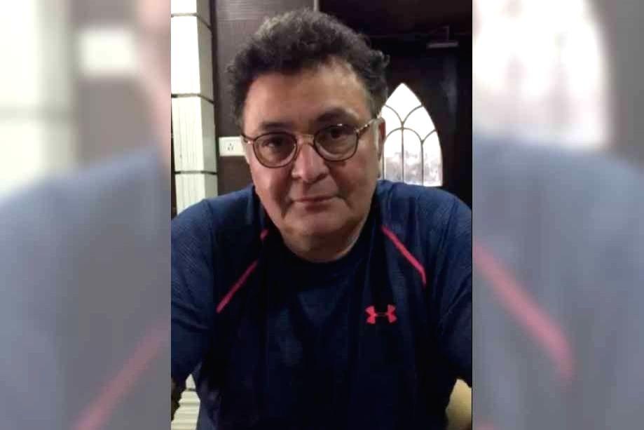 Raveena shares video of Rishi Kapoor wishing her dad on his b'day. - Rishi Kapoor
