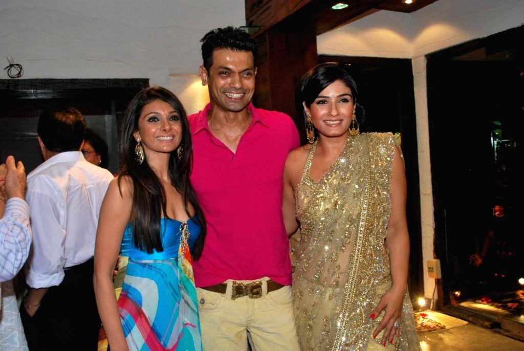 Raveena Tondon at store launch of Designer Rina Shah.