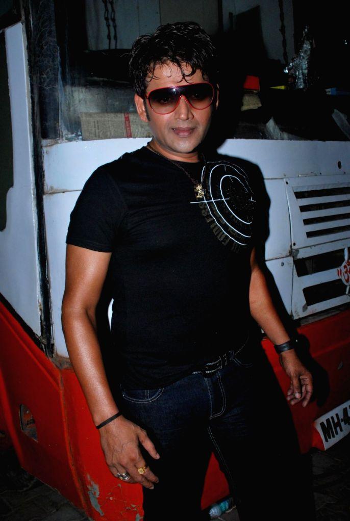 Ravi Kissan at Bhojpuri awards at Goregaon sports club.