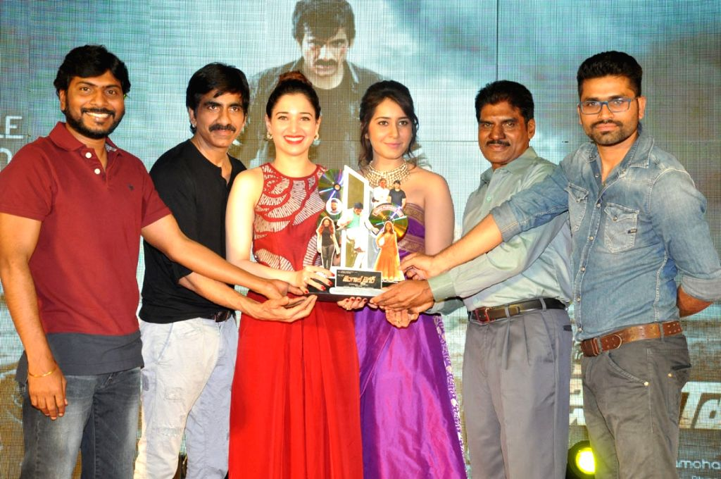 Ravi Teja, Tamanna, Rashi Khanna acted Bengal Tiger Movie Triple Platinum disc function held at Taj Deccan Hotel in Hyderabad on Nov 30, 2015 - Rashi Khanna