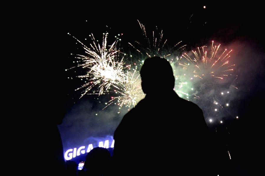 Rawalpindi, Jan. 2 (Xinhua) -- People watch a firework display during a New Year celebration in Rawalpindi of Pakistan's Punjab province on Jan. 1, 2021. (Xinhua/Ahmad Kamal/IANS)