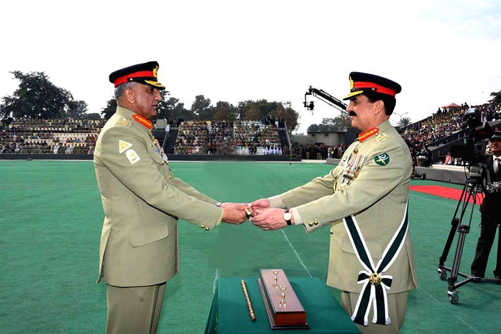 RAWALPINDI, Nov. 29, 2016 - Photo released by Pakistan's Inter Service Public Relations (ISPR) on Nov. 29, 2016 shows Pakistan's new army chief General Qamar Javed Bajwa (L) receives the change of ... - Qamar Javed Bajwa