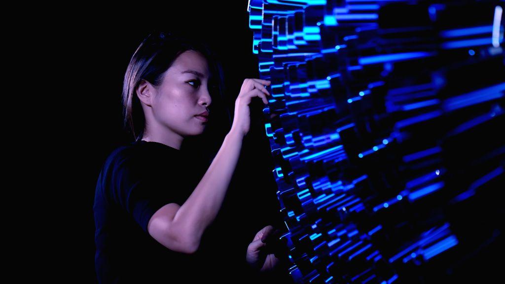 :Red Hong Yi, Artist and Creator of Aurora (Photo: Honor).