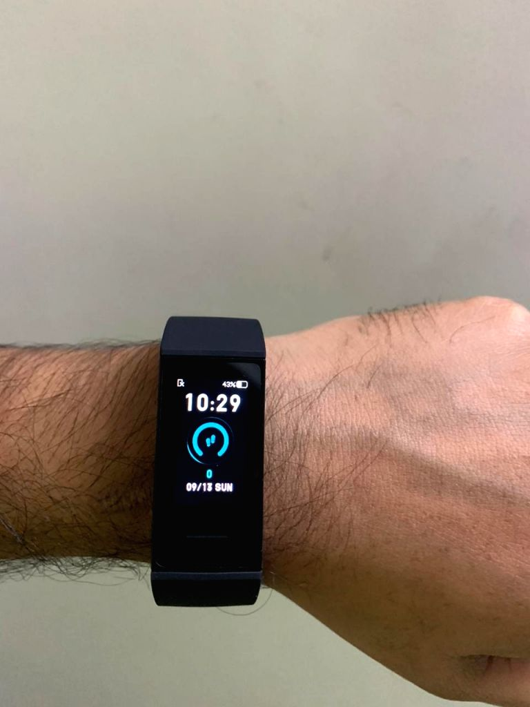 Redmi Smart Band comes for just Rs 1,559 In India