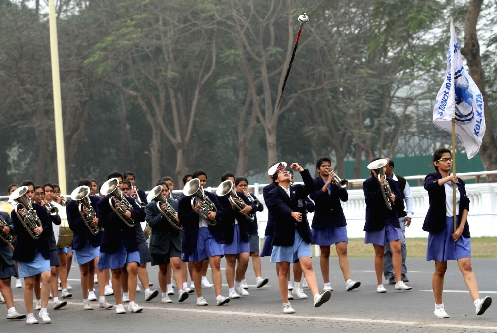 Rehearsals for Republic Day parade underway at Red Road in Kolkata, on Jan 21, 2016.