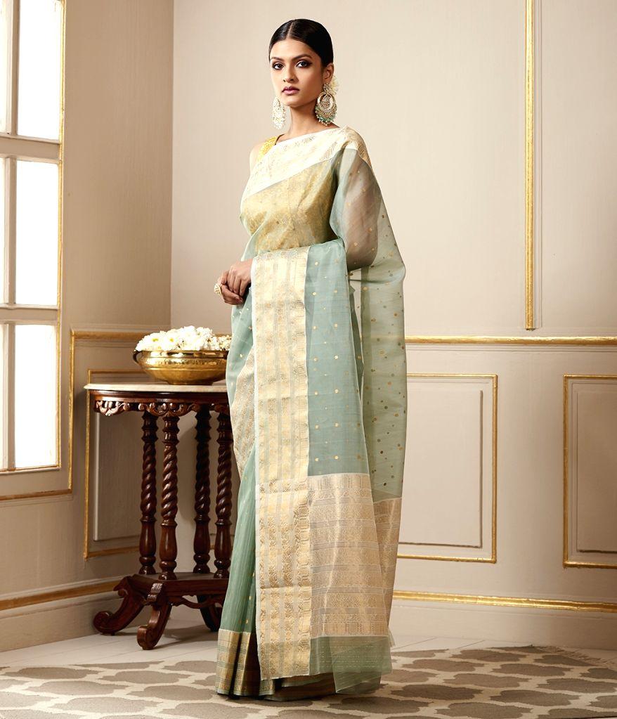 Reinventing the elegance of Benarasi