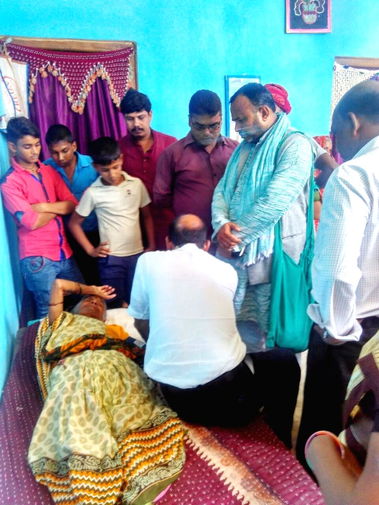 Relatives of Havildar Ashok Kumar Singh who was killed in the terror attack on Uri army camp mourn his death in Bhojpur district of Bihar on Sept 19, 2016.