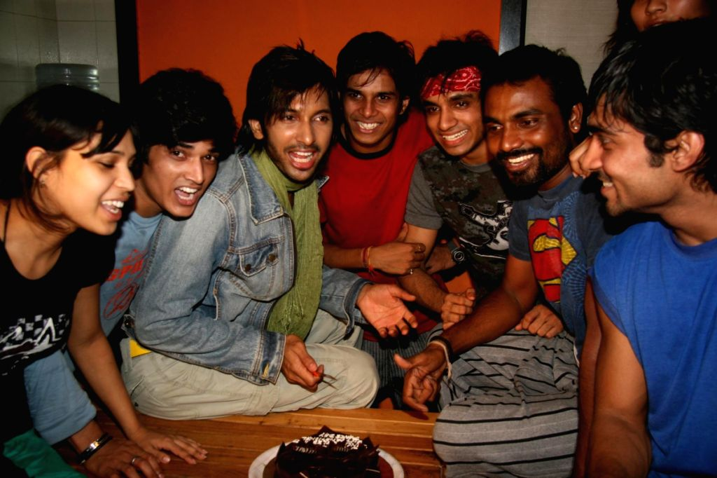 """Remo of """"Dance India Dance"""" B'day bash."""
