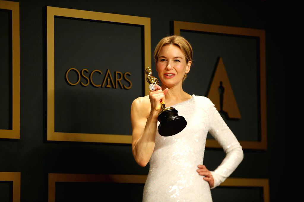 "Renee Zellweger poses for photos after winning the Best Actress award for ""Judy"" at the 92nd Academy Awards ceremony at the Dolby Theatre in Los ..."