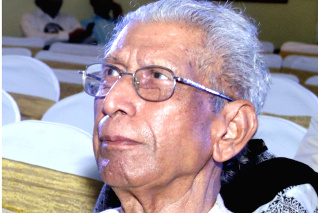 Renowned Hindi author Namwar Singh died in New Delhi on Feb. 19, 2019. At the age of 92. (File Photo: IANS) - Namwar Singh