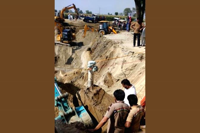 Rescue efforts continue to save boy from TN borewell.