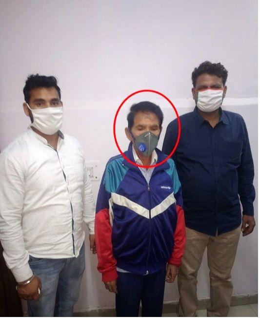 Retired Delhi school principal arrested for cheating woman.