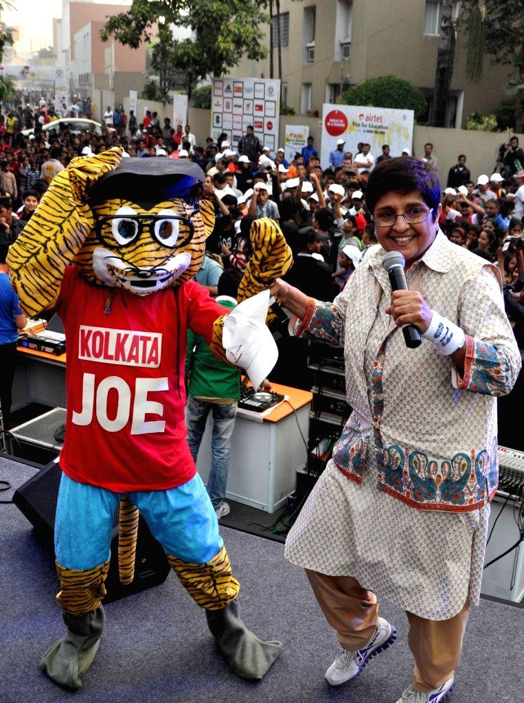 Retired IPS and BJP leader Kiran Bedi during Airtel Run for Education in Kolkata, on Nov 29, 2015. - Kiran Bedi