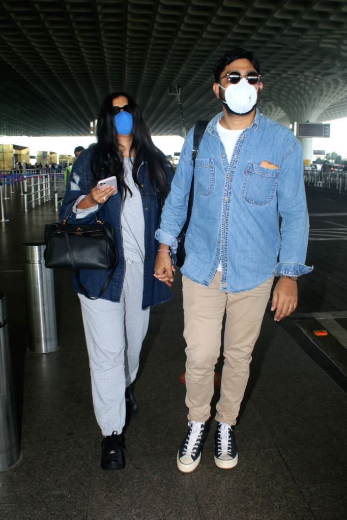 Rhea Kapoor With Husband Karan Boolani Spotted At Airport Departure on 05 october,2021.