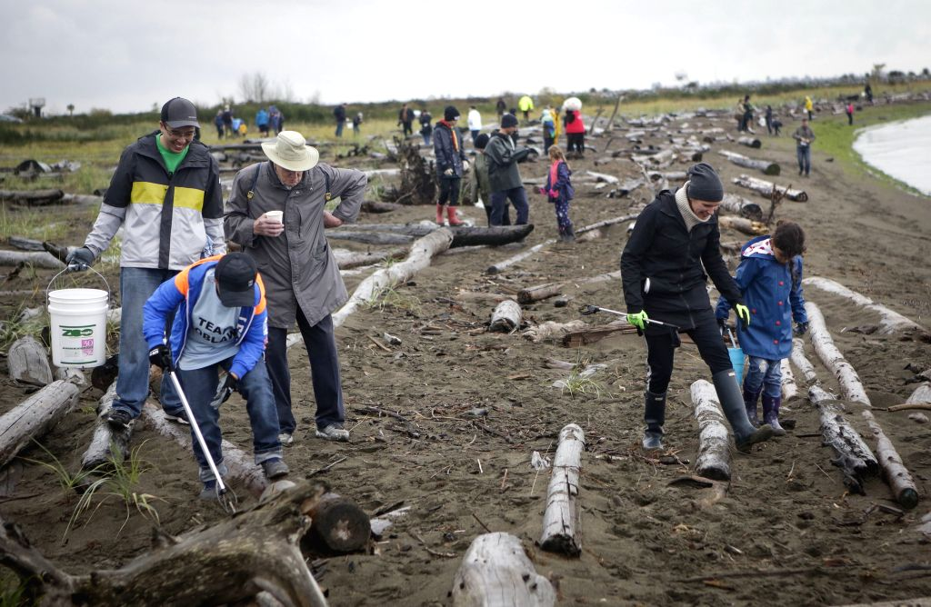 RICHMOND (CANADA), Sept. 15, 2018 People participate in the annual Great Canadian Shoreline Cleanup event at Iona Beach in Richmond, Canada, Sept. 15, 2018. Tens of thousands of people ...