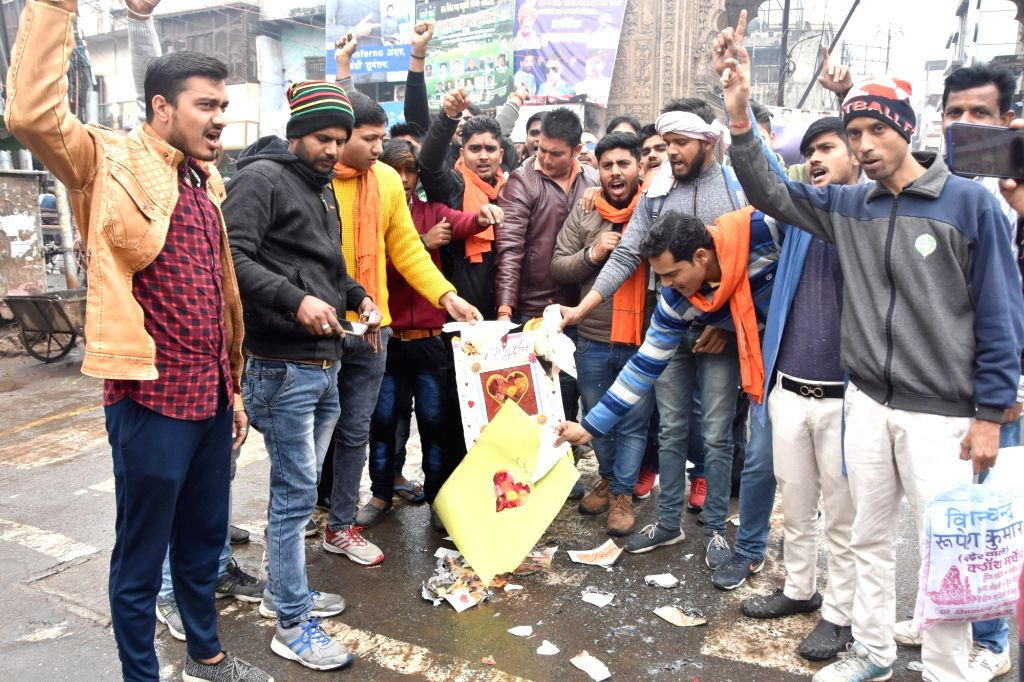 Right wing activists burn greetings cards on Valentine's Day in Mathura on Feb 14, 2019.