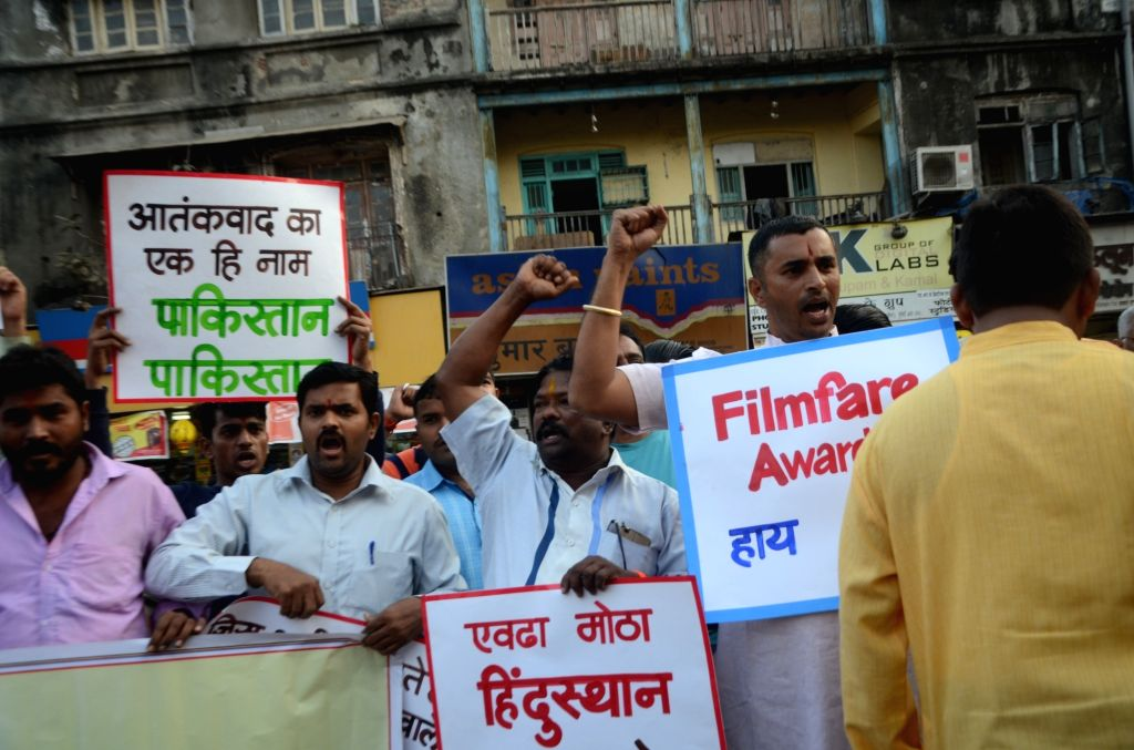Right wing activists stage a demonstration against Pakistani artists in Mumbai, on Jan 13, 2017.