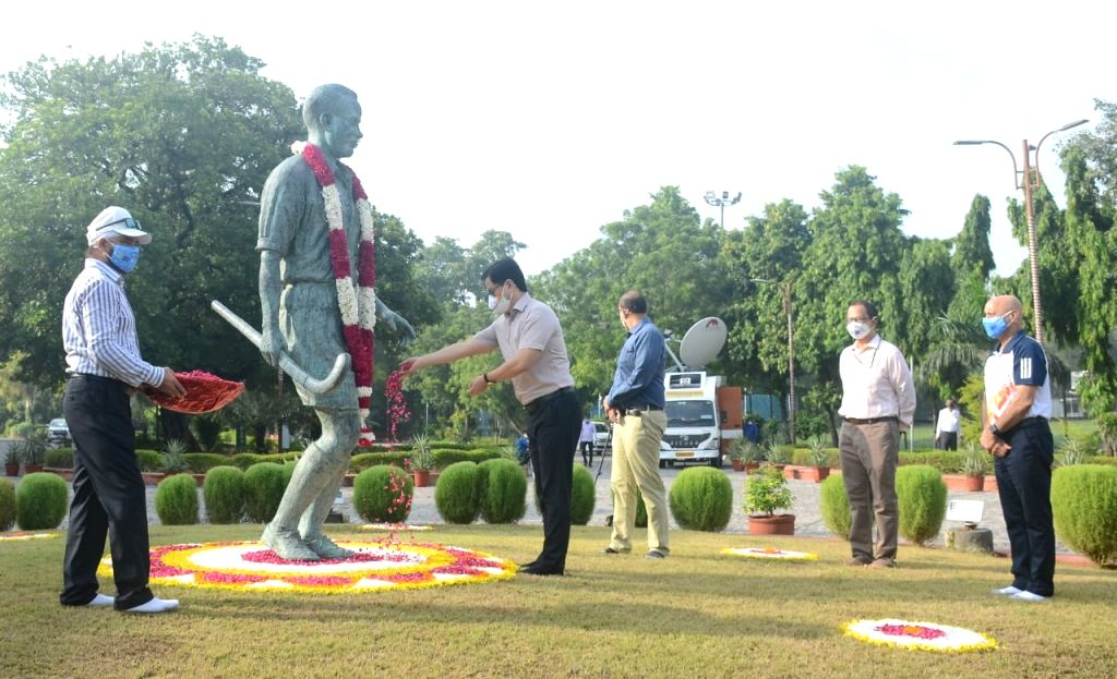 Rijiju pays tribute to Dhyan Chand on National Sports Day.