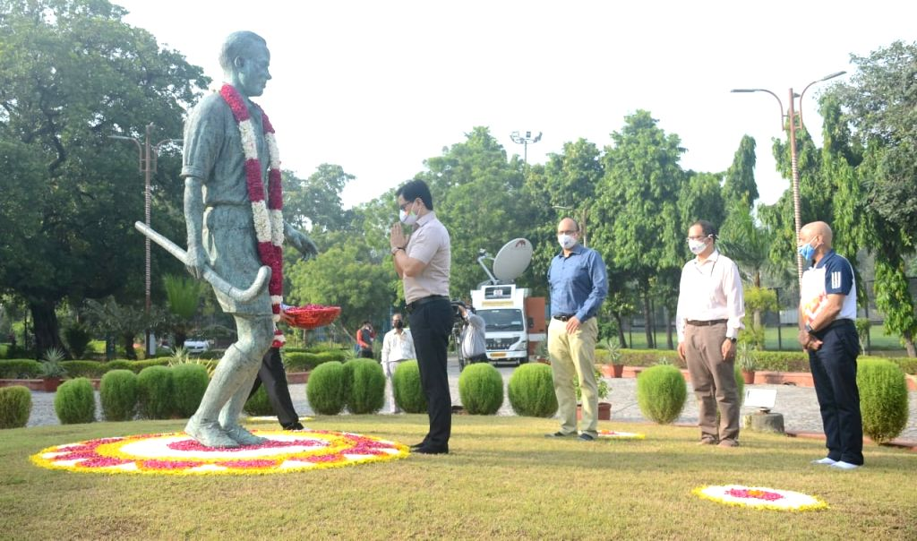 Rijiju pays tribute to Dhyan Chand on National Sports Day