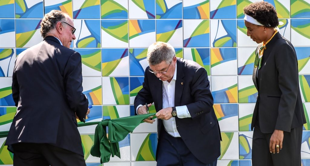 RIO DE JANEIRO, Aug. 1, 2016 - International Olympic Committee (IOC) President Thomas Bach (C) and president of the Rio 2016 Organizing Committee Carlos Arthur Nuzman (L) attend the unveiling ...