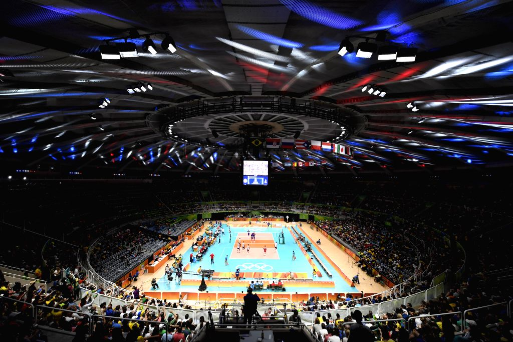 RIO DE JANEIRO, Aug. 13, 2016 - Photo taken on Aug. 13, 2016 shows the men's volleyball preliminary match between the United States of America and France at the 2016 Rio Olympic Games in Rio de ...
