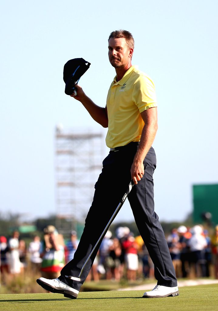 RIO DE JANEIRO, Aug. 14, 2016 - Sweden's Henrik Stenson greets the audience after the men's individual compeititon of Golf at the 2016 Rio Olympic Games in Rio de Janeiro, Brazil, on Aug. 14, 2016. ...