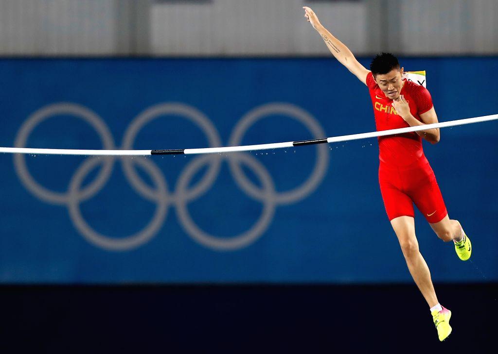 RIO DE JANEIRO, Aug. 15, 2016 - China's Xue Changrui competes during the men's pole vault final at the 2016 Rio Olympic Games in Rio de Janeiro, Brazil, on Aug. 15, 2016.