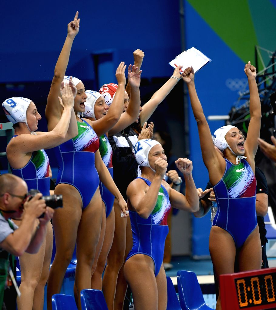 RIO DE JANEIRO, Aug. 15, 2016 - Players of Italy celebrate after the women's water polo quarterfinal between China and Italy at the 2016 Rio Olympic Games in Rio de Janeiro, Brazil, on Aug. 15, 2016. ...