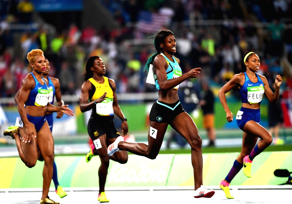 RIO DE JANEIRO, Aug. 15, 2016 - Shaunae Miller of Bahamas (2nd R) competes during the women's 400m final at the 2016 Rio Olympic Games in Rio de Janeiro, Brazil, on Aug. 15, 2016. Shaunae Miller won ...