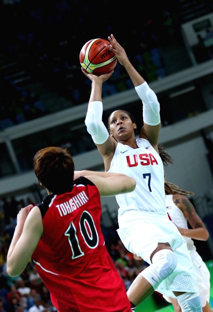 RIO DE JANEIRO, Aug. 16, 2016 - Maya Morore (R) of the United States of America competes during the women's quarterfinal of Basketball at the 2016 Rio Olympic Games in Rio de Janeiro, Brazil, on Aug. ...